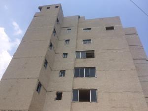 Apartamento En Venta En Maracaibo, Valle Frio, Venezuela, VE RAH: 16-20193