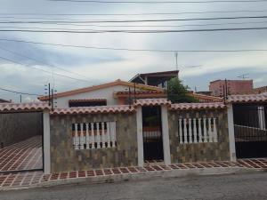 Casa En Venta En Guacara, Ciudad Alianza, Venezuela, VE RAH: 16-20196