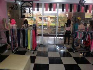 Local Comercial En Alquiler En Punto Fijo, Las Virtudes, Venezuela, VE RAH: 16-20204