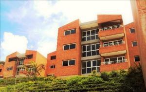 Apartamento En Venta En Caracas, Loma Linda, Venezuela, VE RAH: 16-20205