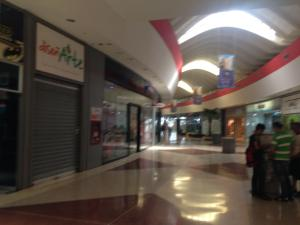 Local Comercial En Alquiler En Punto Fijo, El Cardon, Venezuela, VE RAH: 16-20208