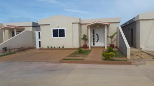 Casa En Ventaen Punto Fijo, Puerta Maraven, Venezuela, VE RAH: 16-20226