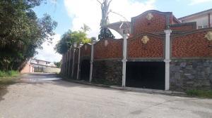 Casa En Venta En Caracas, La Lagunita Country Club, Venezuela, VE RAH: 16-20252