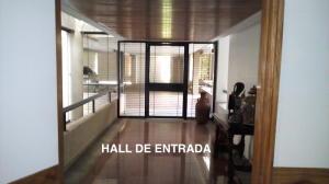 Apartamento En Venta En Caracas, La Lagunita Country Club, Venezuela, VE RAH: 16-20253