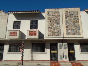 Townhouse En Venta En Municipio Naguanagua, Tazajal, Venezuela, VE RAH: 16-20282