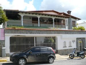 Casa En Venta En Caracas, Los Naranjos Del Cafetal, Venezuela, VE RAH: 16-20269