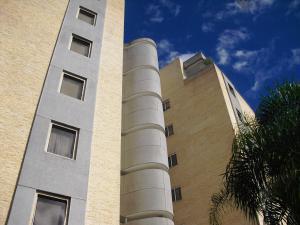 Apartamento En Venta En Caracas, Mirador De Los Campitos I, Venezuela, VE RAH: 16-20274
