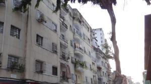 Apartamento En Venta En Caracas, Parroquia La Candelaria, Venezuela, VE RAH: 16-20105