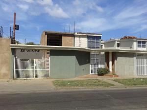 Townhouse En Venta En Municipio San Francisco, La Coromoto, Venezuela, VE RAH: 16-20288