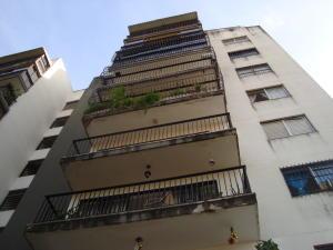 Apartamento En Venta En Valencia, Trigal Centro, Venezuela, VE RAH: 16-20314