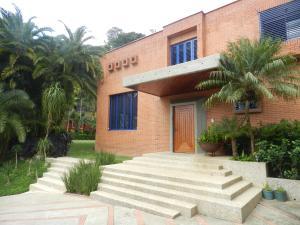 Casa En Ventaen Caracas, Alto Hatillo, Venezuela, VE RAH: 16-20315