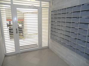 Apartamento En Venta En Caracas, Los Naranjos Del Cafetal, Venezuela, VE RAH: 16-20322