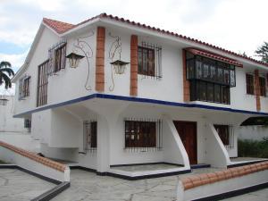 Townhouse En Venta En Maracay, La Arboleda, Venezuela, VE RAH: 16-20357