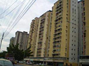 Apartamento En Venta En Maracay, El Centro, Venezuela, VE RAH: 16-20339