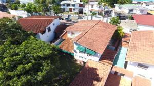 Casa En Venta En Caracas, Macaracuay, Venezuela, VE RAH: 16-20363