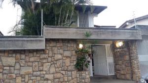 Casa En Venta En Caracas, Santa Paula, Venezuela, VE RAH: 17-21