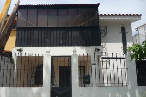 Local Comercial En Alquiler En Valencia, Trigal Sur, Venezuela, VE RAH: 16-20374