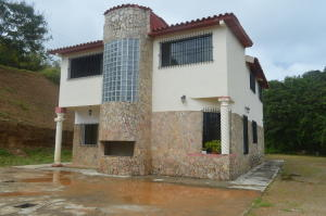 Casa En Venta En Caracas, Bosques De La Lagunita, Venezuela, VE RAH: 16-20396