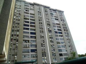 Apartamento En Venta En Maracay, Urbanizacion El Centro, Venezuela, VE RAH: 16-20406