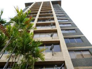 Apartamento En Venta En Maracaibo, 5 De Julio, Venezuela, VE RAH: 17-2
