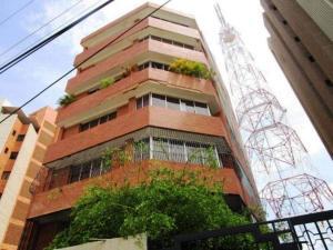 Apartamento En Venta En Maracaibo, La Lago, Venezuela, VE RAH: 17-6