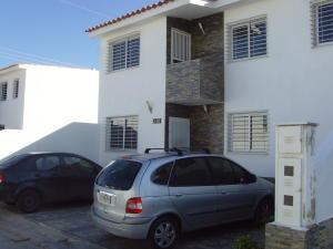 Casa En Venta En Cabudare, Parroquia Cabudare, Venezuela, VE RAH: 17-40