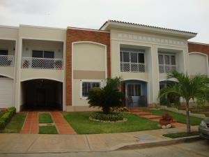 Townhouse En Venta En Maracaibo, Fuerzas Armadas, Venezuela, VE RAH: 17-30