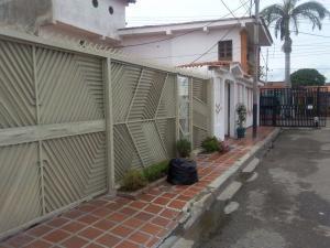 Casa En Venta En Valencia, Parque Valencia, Venezuela, VE RAH: 17-32
