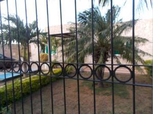 Casa En Venta En Punto Fijo, Puerta Maraven, Venezuela, VE RAH: 17-35