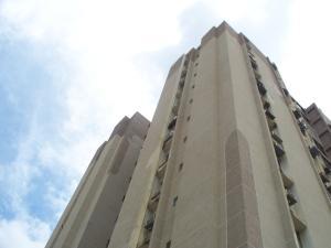 Apartamento En Venta En Maracaibo, Santa Rita, Venezuela, VE RAH: 17-80