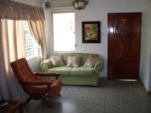 Casa En Venta En Maracaibo, La Floresta, Venezuela, VE RAH: 17-82