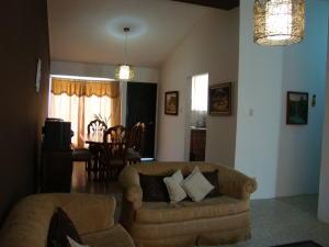 Casa En Venta En Maracaibo, Los Mangos, Venezuela, VE RAH: 17-105