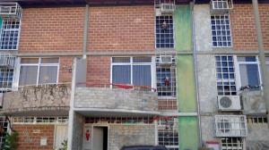 Townhouse En Ventaen Guarenas, Nueva Casarapa, Venezuela, VE RAH: 17-407
