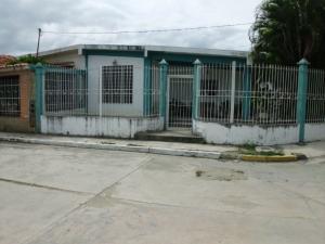 Casa En Venta En Cabudare, Parroquia José Gregorio, Venezuela, VE RAH: 17-117