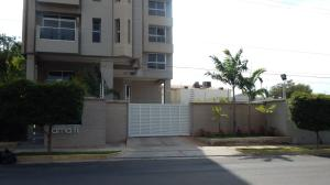 Apartamento En Venta En Maracaibo, Tierra Negra, Venezuela, VE RAH: 17-122