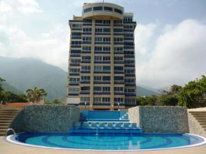 Apartamento En Venta En Parroquia Caraballeda, Caribe, Venezuela, VE RAH: 17-140