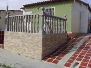 Casa En Venta En Cabudare, Parroquia José Gregorio, Venezuela, VE RAH: 17-153