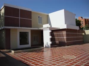 Local Comercial En Venta En Maracaibo, Pueblo Nuevo, Venezuela, VE RAH: 17-163
