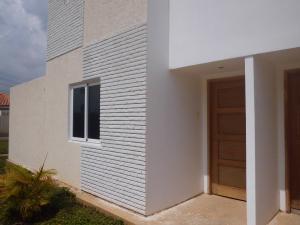 Townhouse En Venta En Maracaibo, Pueblo Nuevo, Venezuela, VE RAH: 17-181