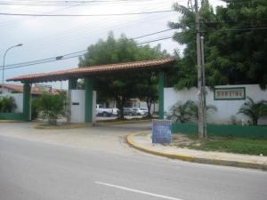 Casa En Venta En Maracay, Roraima, Venezuela, VE RAH: 17-184