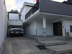 Casa En Venta En Caracas, La Trinidad, Venezuela, VE RAH: 17-202