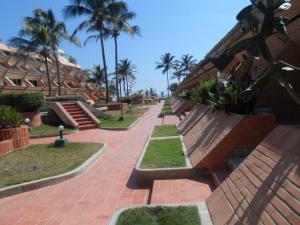 Apartamento En Venta En Tucacas, Tucacas, Venezuela, VE RAH: 17-203