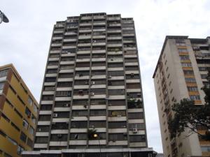 Apartamento En Venta En Caracas, El Marques, Venezuela, VE RAH: 17-210