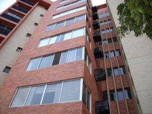Apartamento En Venta En Maracaibo, Avenida El Milagro, Venezuela, VE RAH: 17-231