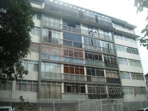 Apartamento En Venta En Caracas, San Bernardino, Venezuela, VE RAH: 17-250