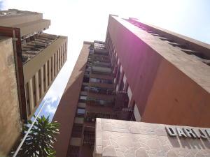 Apartamento En Venta En Caracas, Parroquia La Candelaria, Venezuela, VE RAH: 17-254