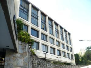 Apartamento En Venta En Caracas, Colinas De Bello Monte, Venezuela, VE RAH: 17-260