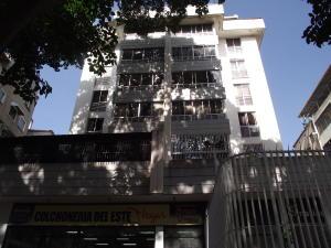 Apartamento En Venta En Caracas, Colinas De Bello Monte, Venezuela, VE RAH: 17-494