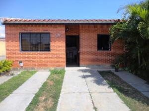 Casa En Venta En Municipio San Diego, Valles Del Nogal, Venezuela, VE RAH: 17-258