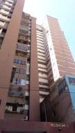 Apartamento En Venta En Caracas, Parroquia La Candelaria, Venezuela, VE RAH: 17-387